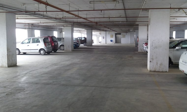Large conference room near perungudi omr for Parking solutions for small spaces