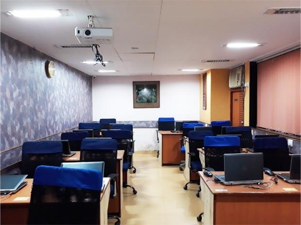 20 Seater Training Room With Systems In Mumbai